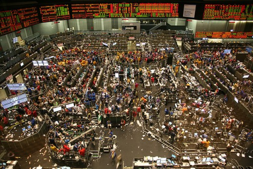 Chicago-trading-floor-is-a-mess-FlickerDaniel-Hernandez